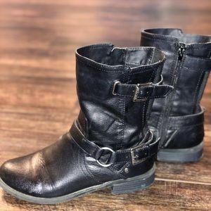 G by Guess Black leather Boots